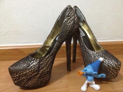 The Queen's Heels